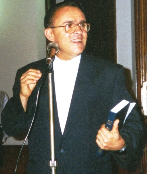 Rev Ayres Teixeira da Silva - pastor titular de 1996 a set 2000