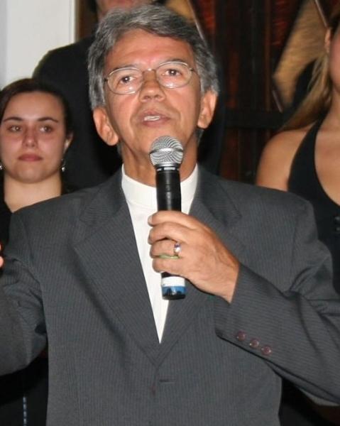 Rev Jorge Cruz de Oliveira Filho - pastor titular de 2004 a 2006